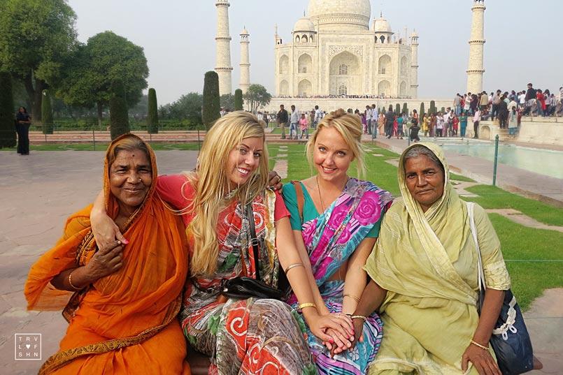 How to Meet People While Traveling Solo via travel & fashion blog TravelLoveFashion.com. Taj Mahal, India.